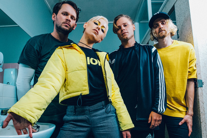 ta promo - Tonight Alive - Underworld (Album Review)