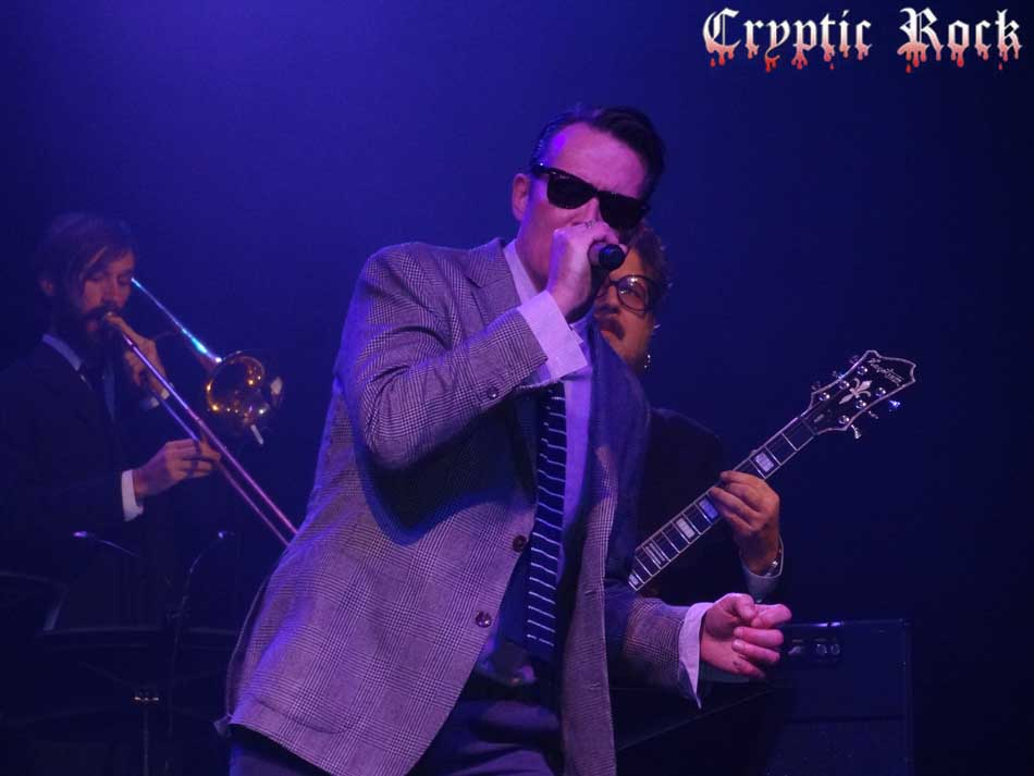 Scott Weiland xmas for paramount article - The Paramount leads Long Island in a rock revolution (exclusive review)