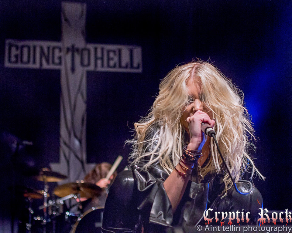 i dDGL96s XL - The Pretty Reckless & Born Cages light up The Paramount 9-20-13 (Exclusive coverage)