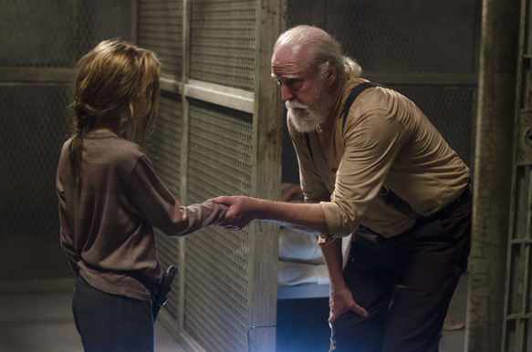 "6e003238 ca1e c95b 5d60 eb9fa463ace5 TWD 405 GP 0627 0295 - The Walking Dead  	""Internment"" Episode 5 (Review)"