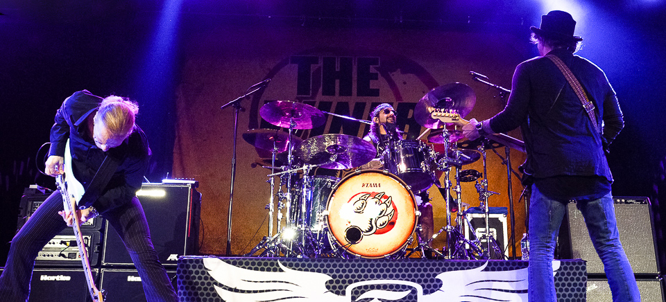 cover - The Winery Dogs tear up The Emporium Patchogue, NY 10-30-13 (Exclusive Coverage)