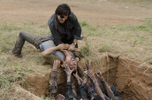 """f4d3e0f3 cdb9 442d 801e 88c7101381d0 TWD 407 GP 0722 0158 - The Walking Dead """"Dead Weight"""" Episode 7 (Review)"""
