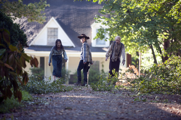 """d9ce272b e812 113d 57d3 7c7746af4138 TWD 409 GP 0822 0008gn - The Walking Dead returns with """"After"""" Episode 9 (Review)"""