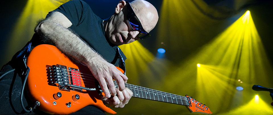 satch slide 2 - Joe Satriani Electrifies The Space At Westbury, NY 6-7-14