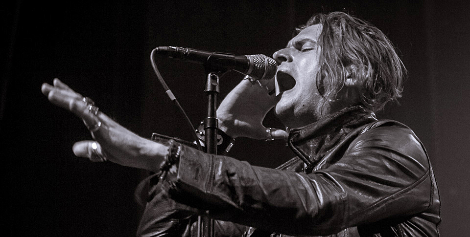 Rival Sons 17 side - Rival Sons sell out Gramercy Theater NYC 6-25-14