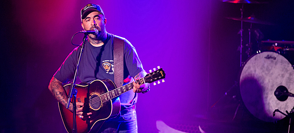 aaron lewis slide edited 3 - Aaron Lewis captures the senses of The Emporium Patchogue, NY 6-26-14