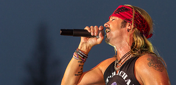 bret slide - Bret Michaels defies the elements to rock Long Island, NY 7-14-14