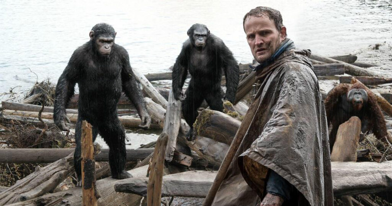 7 new dawn of the planet of the apes images a war is brewing - Dawn of the Planet of the Apes (Movie review)