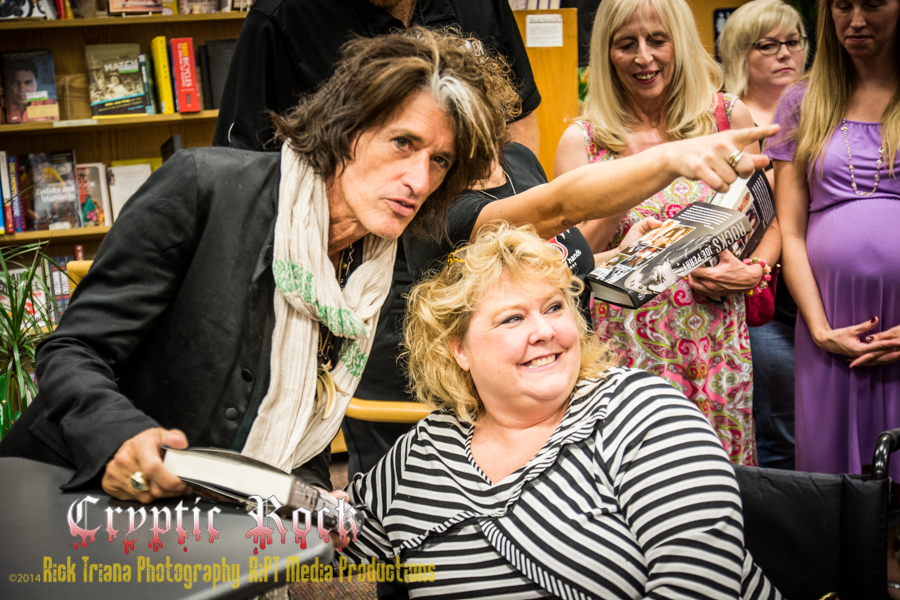 DSC9176 1 - Joe Perry's Rocks: My Life In and Out of Aerosmith book signing Tempe, AZ 10-18-14