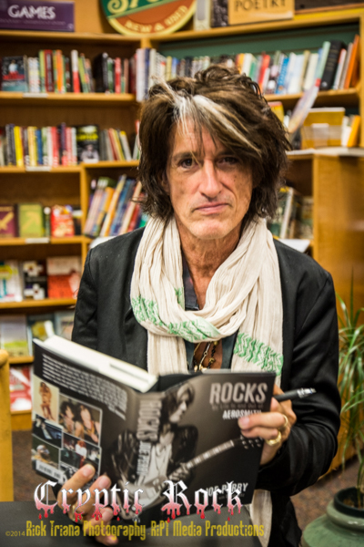 DSC9189 1 - Joe Perry's Rocks: My Life In and Out of Aerosmith book signing Tempe, AZ 10-18-14