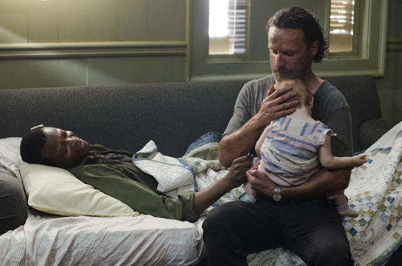 c8c74892 18c1 fa76 92d3 3af6968598f9 TWD 503 GP 0609 0101 - The Walking Dead - Four Walls and A Roof (Season 5 / Episode 3 Review)