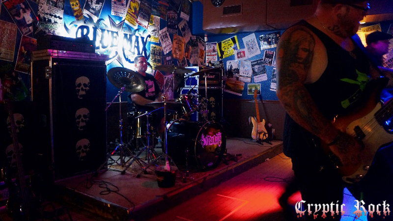 independents for article 4 - The Independents bring Punk Rock to Blue Max Midland, TX 10-4-14