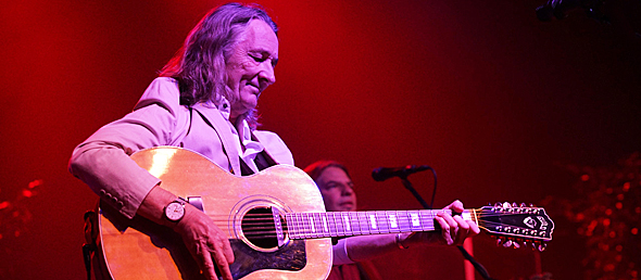 roger slide - Roger Hodgson inspires at The Paramount Huntington, NY 11-11-14