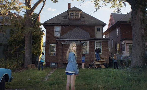 It Follows still detroit.jpg.CROP .promovar mediumlarge - It Follows (Movie Review)