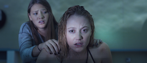 it follows - It Follows (Movie Review)