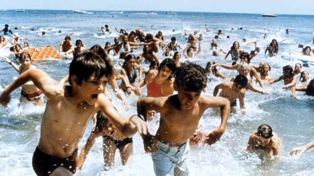 jaws still2 - Jaws terrorizing the water 40 Years Later