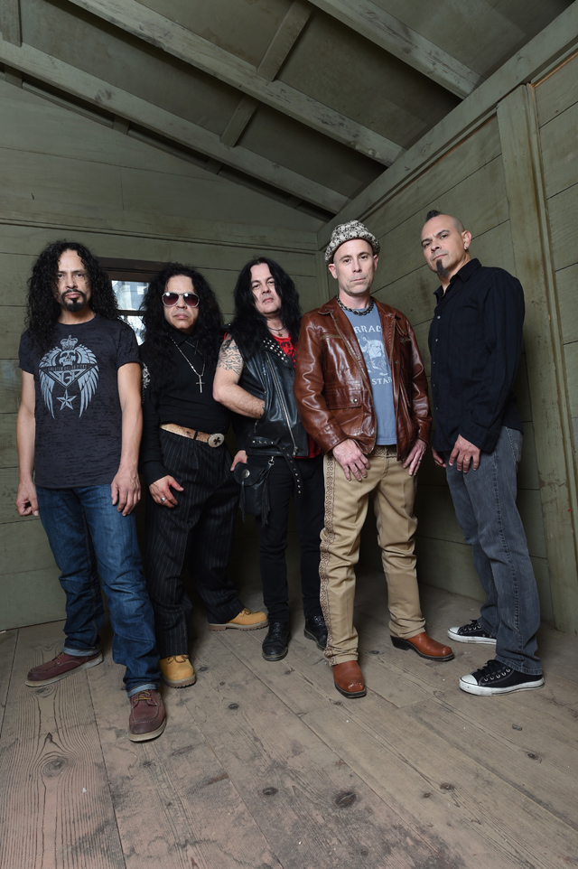 armored slide - Armored Saint – Win Hands Down (Album Review)