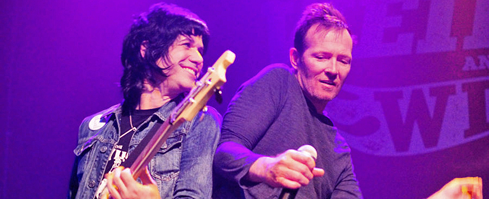 scott slide - Scott Weiland and the Wildabouts Rattle Gramercy Theatre, NYC 11-25-15 w/ Ten Ton Mojo & Biters