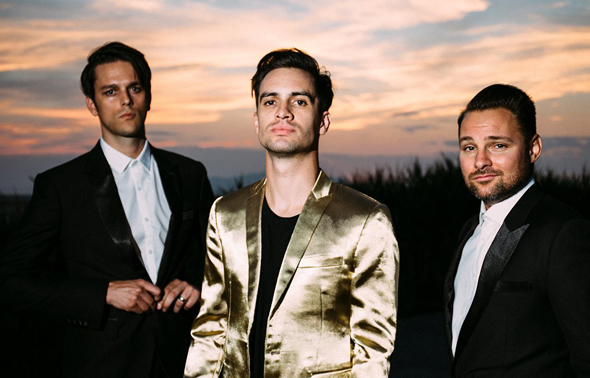 Panic At The Disco1 e1429516568614 - Panic! At The Disco - Death Of A Bachelor (Album Review)