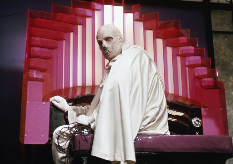 dr phibes 2 - The Abominable Dr. Phibes Still Hits The Right Notes After 45 Years