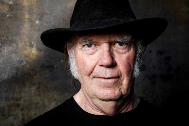Neil Young - Earth (Album Review) - Cryptic Rock