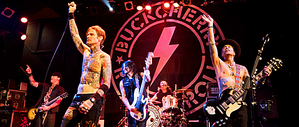 buckcherry slide - Buckcherry Celebrates 15 At The Chance Poughkeepsie, NY 9-16-16 w/ Sons of Texas