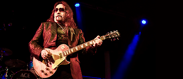 ace 9 23 16 slide - Ace Frehley Smokes Out Playstation Theater NYC 9-23-16