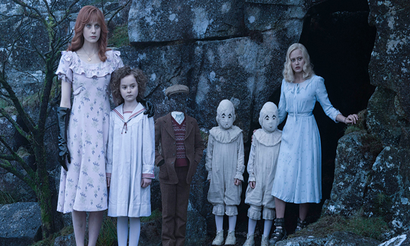 miss peregrines 1 - Miss Peregrine's Home for Peculiar Children (Movie Review)