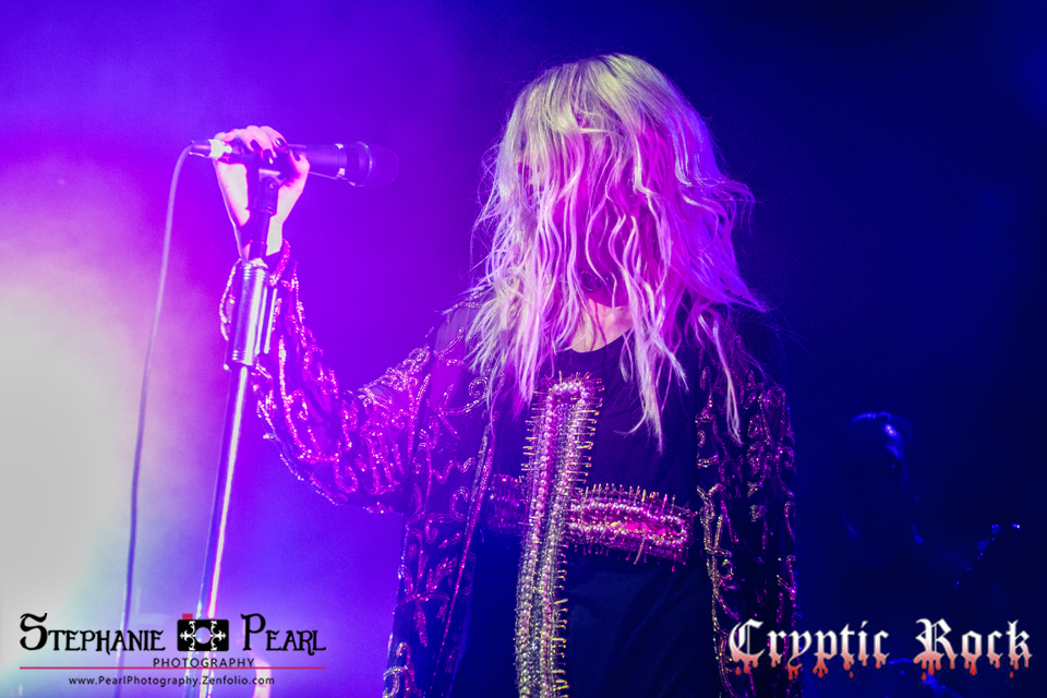 theprettyreckless irvingplaza stephpearl 110913 6 - Interview - Taylor Momsen of The Pretty Reckless