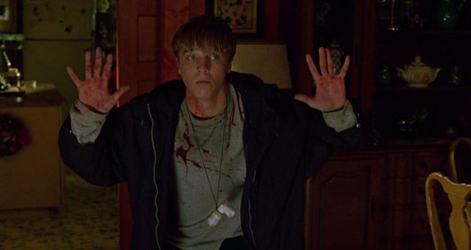 idle hands 1 - This Week In Horror Movie History - Idle Hands (1999)
