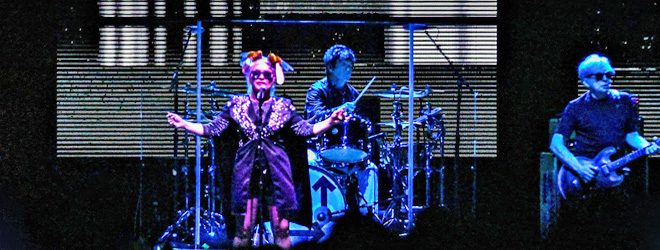 blondie slide - Blondie & Garbage Rock Raleigh, NC 8-5-17 w/ Deap Vally