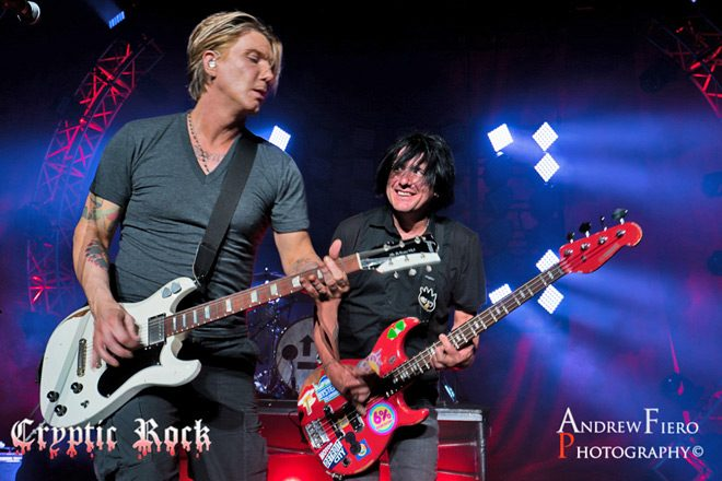 Interview - Robby Takac of Goo Goo Dolls Talks Life On The