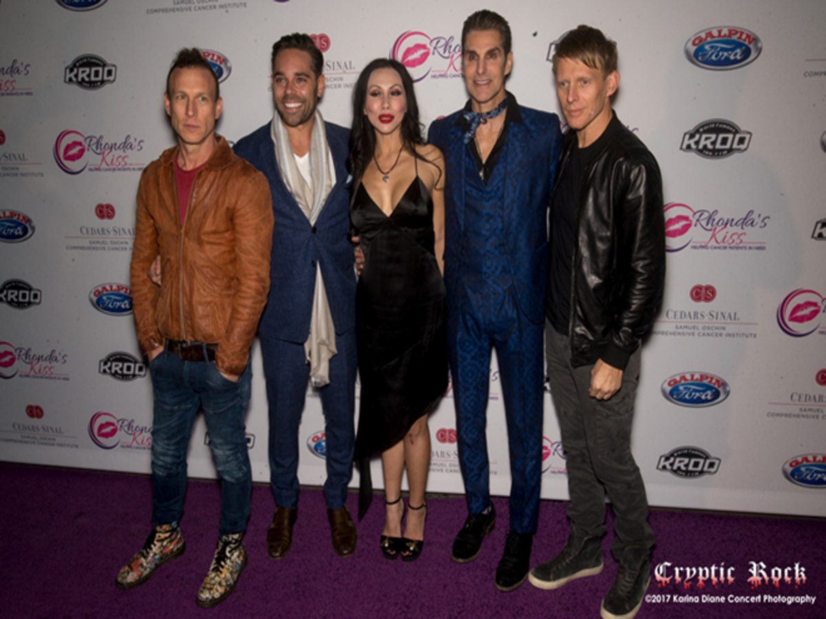 Rhonda_s Kiss CEO Kyle Stefanski, Perry Farrell, Chris Chaney, Etty Lau Farrell, _ Stephen Perkins of Jane_s Addiction