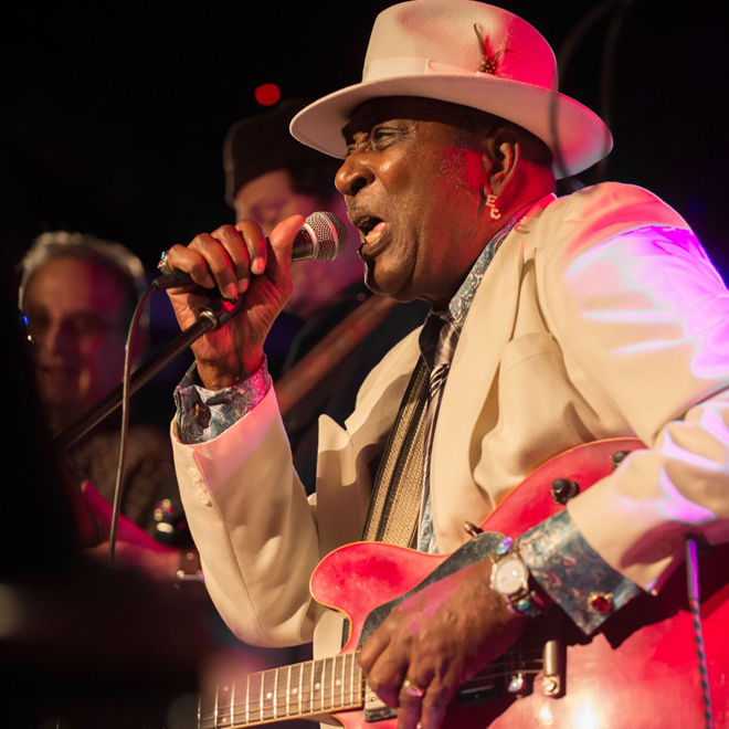 Eddy Clearwater Live photo credit Roman Sobus 136 - Interview - Eddy Clearwater