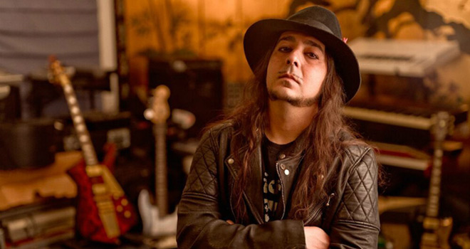 daron promo - Daron Malakian and Scars On Broadway - Dictator (Album Review)