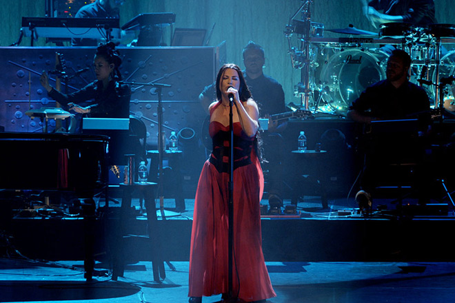 Evanescence Synthesis Live Promo  - Evanescence - Synthesis Live (DVD Review)