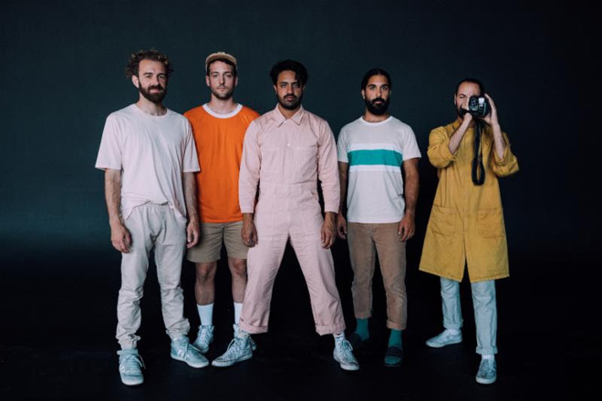 young the ginat promo - Young The Giant - Mirror Master (Album Review)