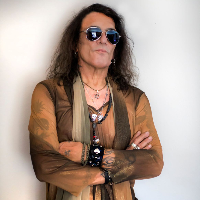 stephen promo - Stephen Pearcy - View to a Thrill (Album Review)
