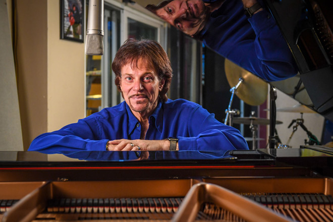 robert berry featured - Interview - Robert Berry Talks Keith Emerson, 3.2 + more