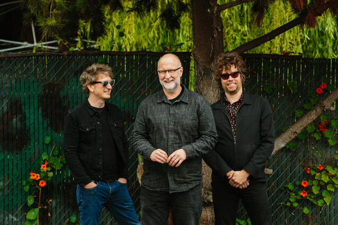 bob mould promo 2019 - Bob Mould - Sunshine Rock (Album Review)