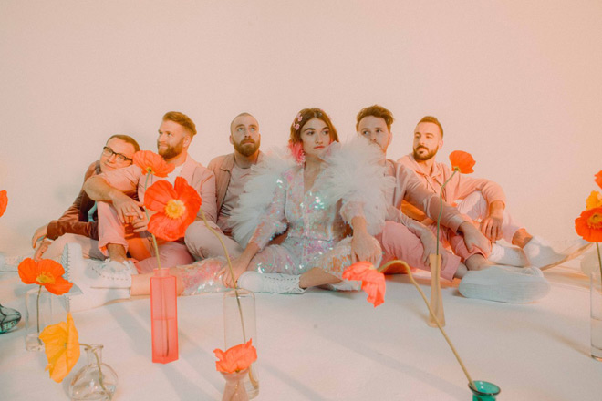 misterwives 2020 - Misterwives - SUPERBLOOM (Album Review)